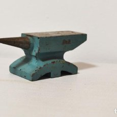 Antigüedades: YUNQUE SOVIETICA PARA JOYERO.. Lote 210592735