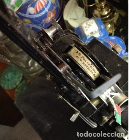 Antigüedades: PROYECTOR DE CINE ANTIGUO NUMAX. con maletín original. Con pelicula. Pieza de coleccion - Foto 3 - 210596027