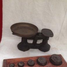 Antigüedades: ANTIGUA Y PEQUEÑA BASCULA CON PESOS!. Lote 210618536