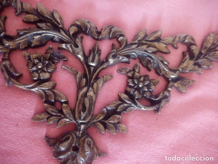 Antigüedades: Pareja de adornos de bronce,metal dorado siglo xix. - Foto 4 - 210710452