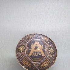 Antigüedades: BROCHE MÁQUINA DE COSER ALFA. Lote 210734164