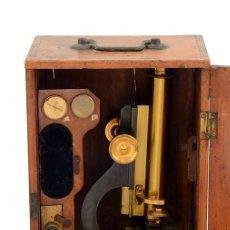 Antigüedades: MICROSCOPIO ANTIGUO INGLÉS EN SU CAJA DE CAOBA (C.1860). Lote 210775789