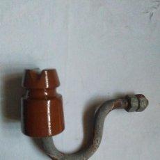 Antigüedades: JICARA MARRON AISLANTE ELECTRICIDAD PORCELANA CERAMICA. Lote 210941575