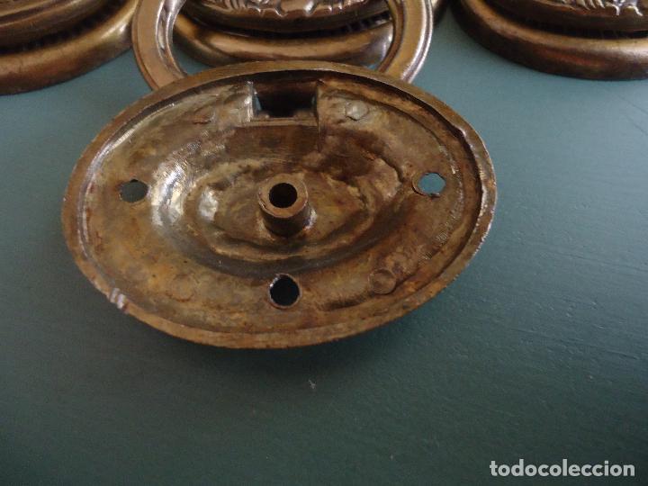 Antigüedades: 10 tiradores en metal dorado pavonado. Estilo Diecinueve. - Foto 4 - 211437695