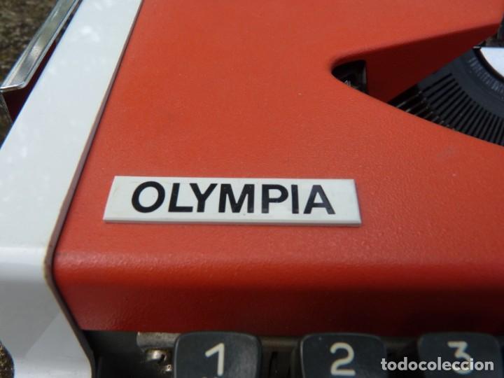 Antigüedades: Máquina de escribir portable marca Olympia, 1969 - Foto 6 - 211667854