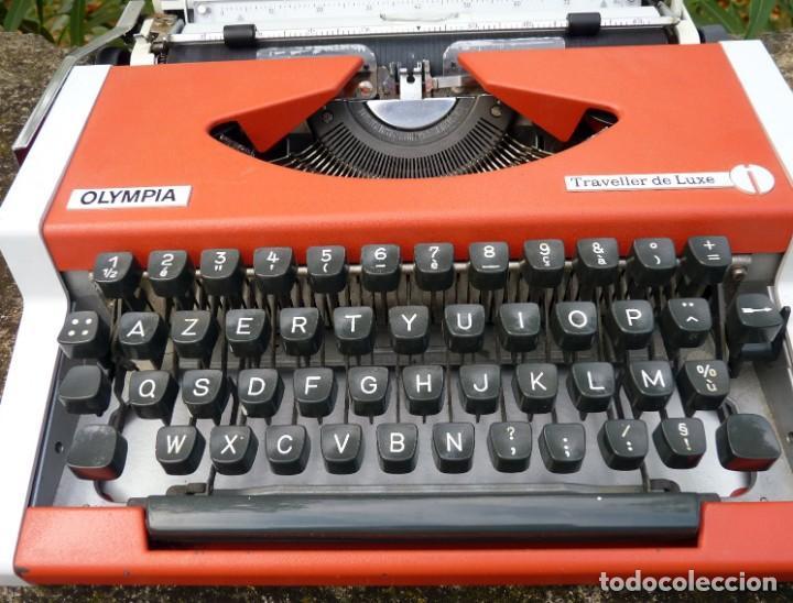 Antigüedades: Máquina de escribir portable marca Olympia, 1969 - Foto 7 - 211667854