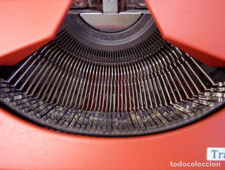 Antigüedades: Máquina de escribir portable marca Olympia, 1969 - Foto 8 - 211667854