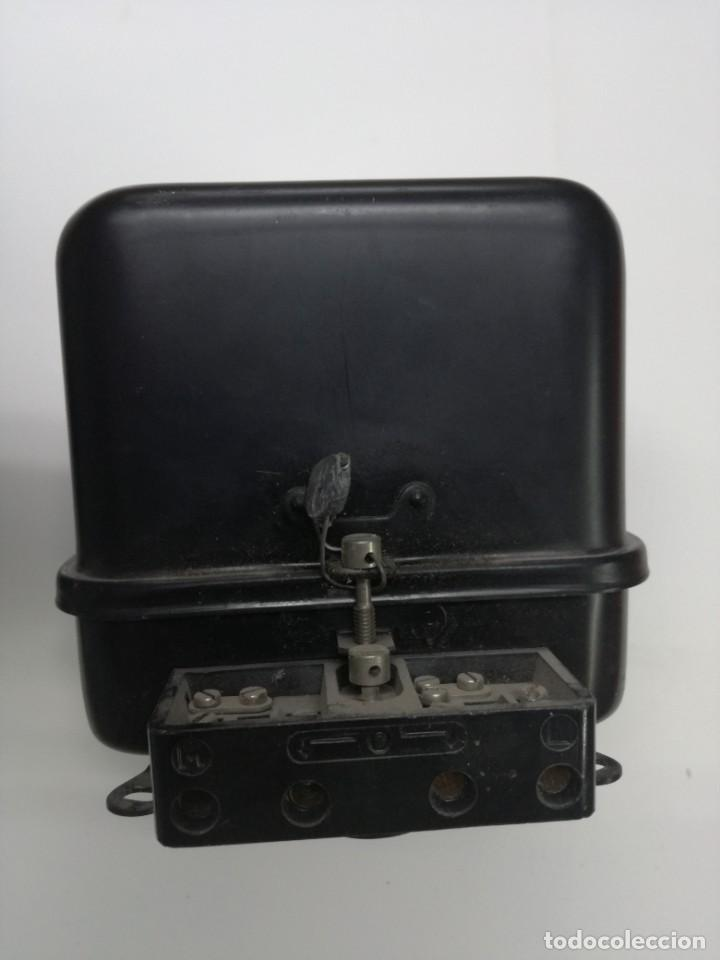 Antigüedades: ANTIGUO CONTADOR ELÉCTRICO LUZ - CDC BTR6 MONOFASICO 2 HILOS.1967,DELEGACION INDUSTRIA DE LOGROÑO - Foto 3 - 211890177