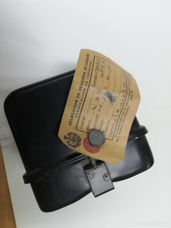 Antigüedades: ANTIGUO CONTADOR ELÉCTRICO LUZ - CDC BTR6 MONOFASICO 2 HILOS.1967,DELEGACION INDUSTRIA DE LOGROÑO - Foto 5 - 211890177