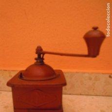 Antigüedades: MOLINILLO CAFE ELMA COMPLETO ANTIGUO METAL. Lote 211911308