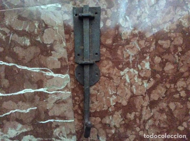 PESTILLO ANTIGUO 34CMX8CM. (Antigüedades - Técnicas - Cerrajería y Forja - Pestillos Antiguos)