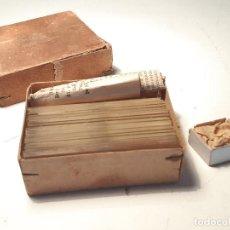 Oggetti Antichi: PORTAOBJETOS PARA MICROSCOPIOS, CHECOSLOVAQUIA , 1.947. Lote 211928250
