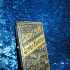 Antigüedades: ANTIGUA CAJA METAL SPULEN-KASTCHEN 4 BOVINAS HILO MÁQUINA COSER BIESOLT AND LOCKE XIX ALEMANIA. Lote 212025093