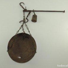 Antiquités: ANTIGUA BALANZA ROMANA DE PLATO Y GANCHOS PESA AUTENTICA RARA EXCELENTE DECORACIÓN RUSTICA. Lote 212077598