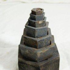 Antigüedades: LOTE DE 7 PESAS DE HIERRO. Lote 212149620