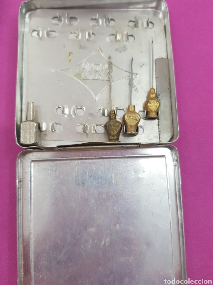Antigüedades: Lote Antiguo de Farmacia , jeringa , agujas y palangana - Foto 5 - 212163796
