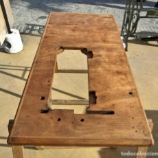Antigüedades: TABLA TABLÓN DE MÁQUINA DE COSER INDUSTRIAL. Lote 212181315