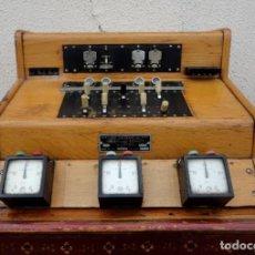 Teléfonos: CENTRALITA DE TELEFONOS ANTIGUA CON CONTADORES DE MINUTOS DE CONVERSACION. Lote 212203767