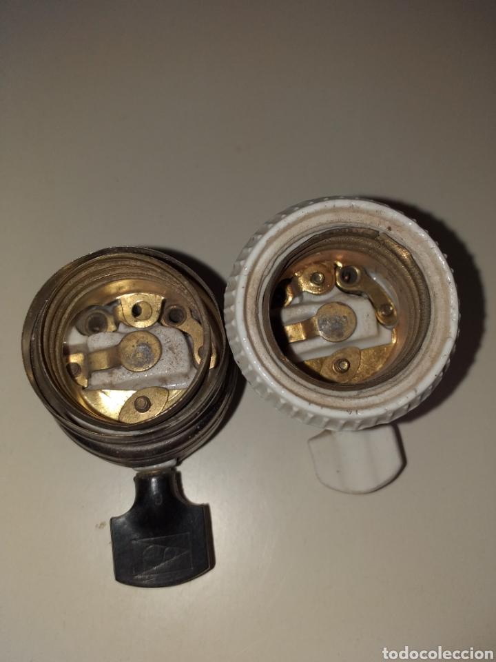 Antigüedades: Antiguos casquillos o portalamparas con interruptor. SIMON - Foto 2 - 212209610