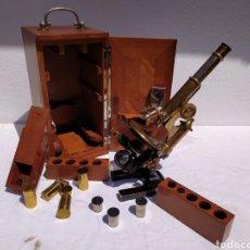 Antigüedades: MICROSCOPIO LEITZ WETZLAR COMPLETO AÑOS 20. Lote 212258391