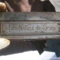 Antigüedades: MOLDE PUBLICITARIO DE IMPRENTA ÚNICO. AÑOS: 30/40. MANUFACTURAS DE CORSES. Lote 212268445