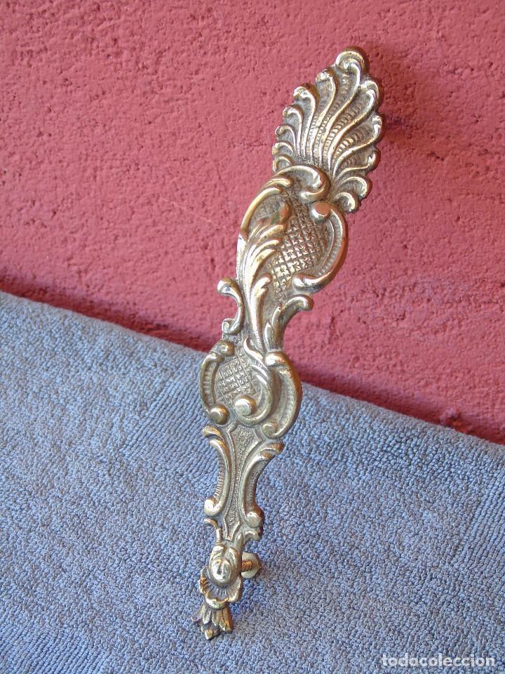 Antigüedades: ANTIGUO GRAN TIRADOR DE BRONCE, PARA PUERTA. - Foto 2 - 212302743