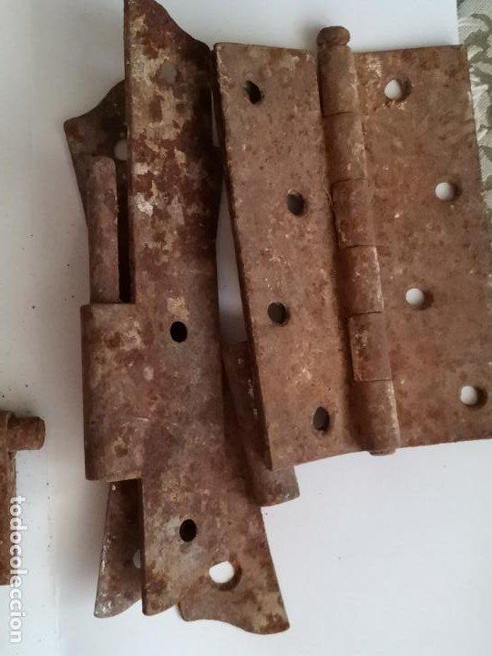Antigüedades: Conjunto de pasadores bisagras y candado en hierro - Foto 6 - 212326635