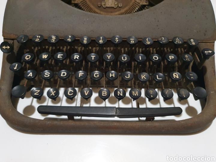 Antigüedades: Maquina de escribir patria, imperial española, eibar, España. - Foto 3 - 212471277