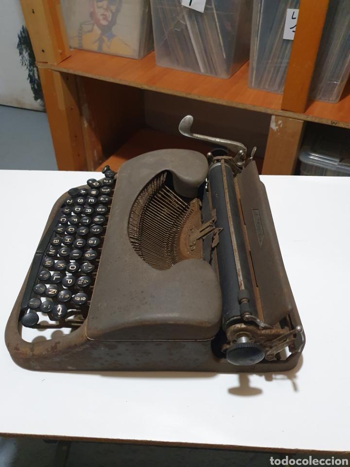 Antigüedades: Maquina de escribir patria, imperial española, eibar, España. - Foto 4 - 212471277