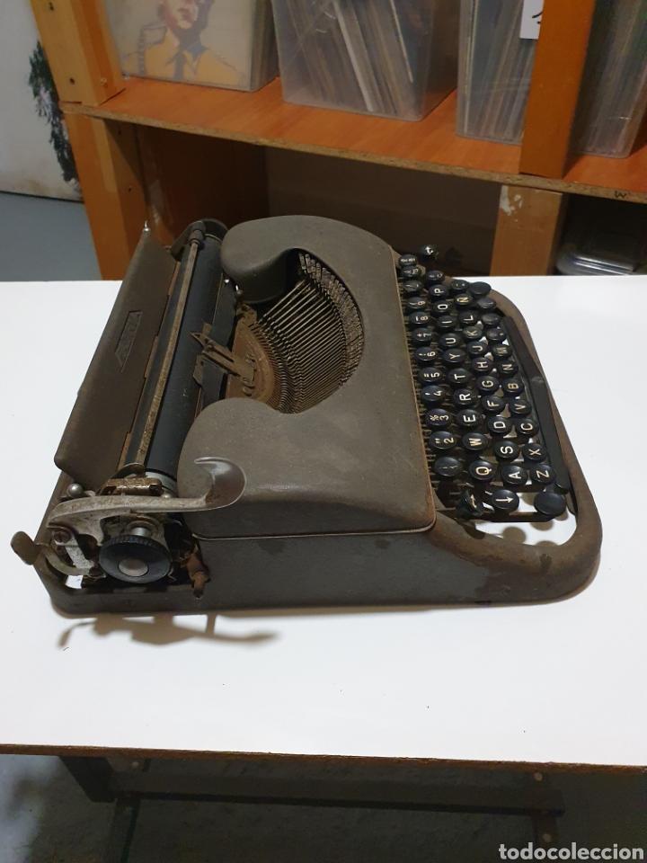 Antigüedades: Maquina de escribir patria, imperial española, eibar, España. - Foto 7 - 212471277