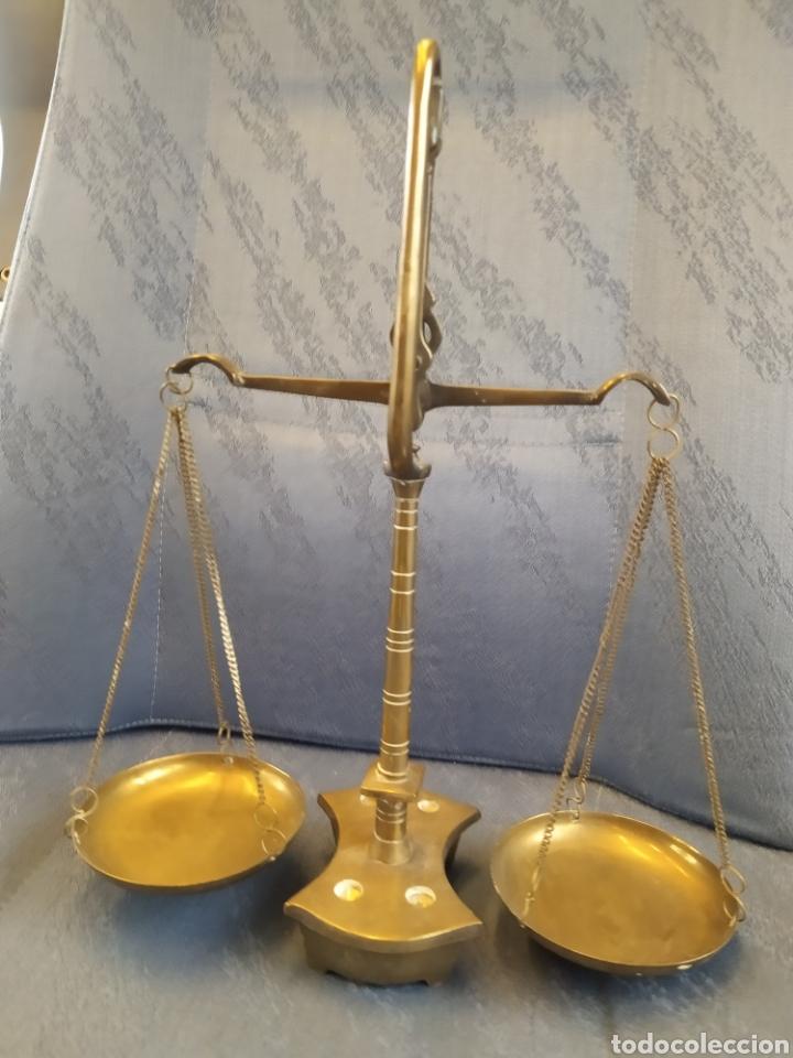 Antigüedades: Balanza báscula antigua en bronce y platos de cobre 31x25x10 CMS aproximadamente - Foto 2 - 212532195