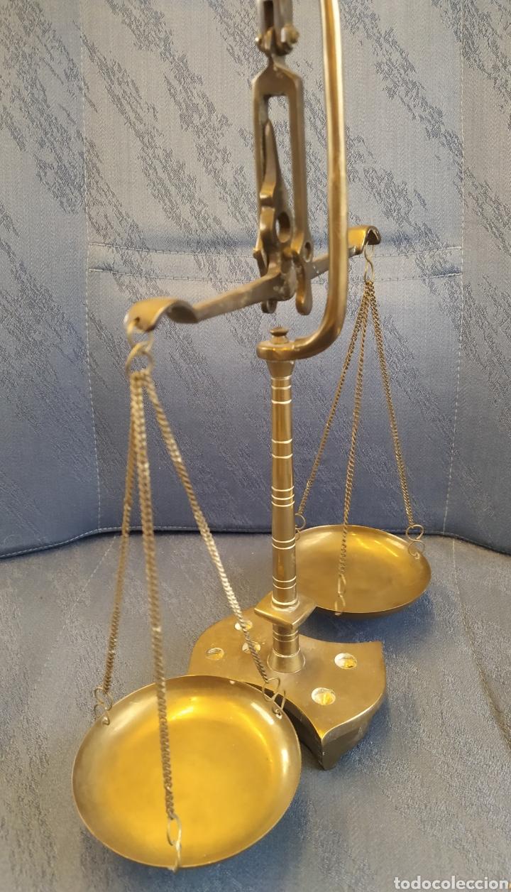 Antigüedades: Balanza báscula antigua en bronce y platos de cobre 31x25x10 CMS aproximadamente - Foto 7 - 212532195