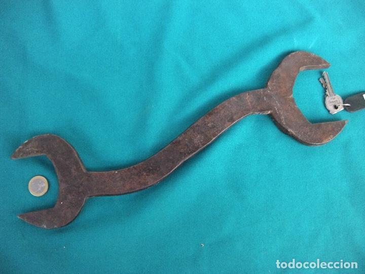 Antigüedades: GRAN LLAVE FIJA EN HIERRO FORJADO - Foto 4 - 212572720