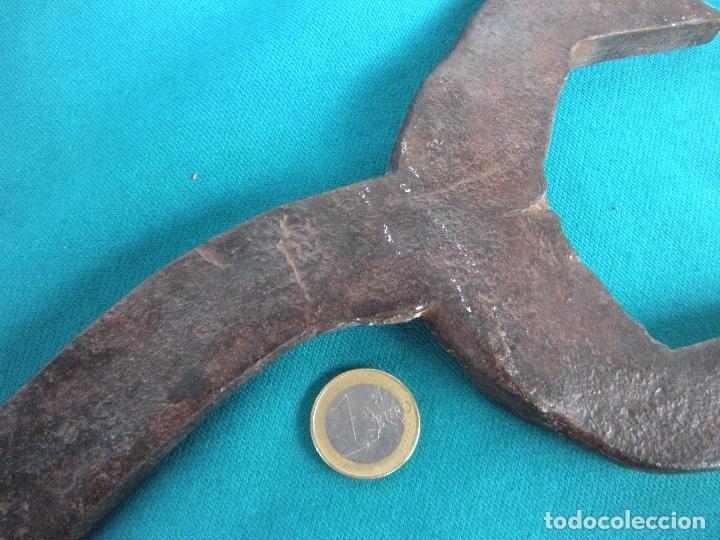 Antigüedades: GRAN LLAVE FIJA EN HIERRO FORJADO - Foto 5 - 212572720