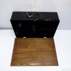 Antigüedades: BASE Y TAPA MAQUINA DE ESCRIBIR AMERICAN INDEX O GLOBE. Lote 212709356