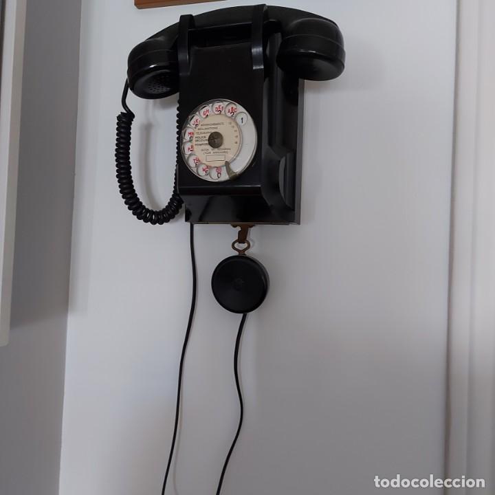 Teléfonos: Antiguo Teléfono de pared-- Bakelita con Escucha Adicional-Perfecto estado..Años 50/65 - Foto 3 - 212776180