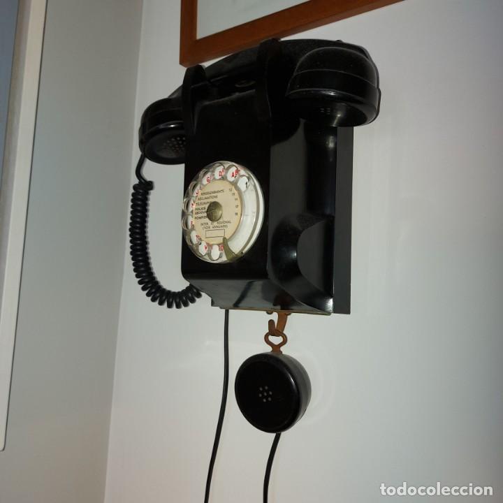 Teléfonos: Antiguo Teléfono de pared-- Bakelita con Escucha Adicional-Perfecto estado..Años 50/65 - Foto 7 - 212776180