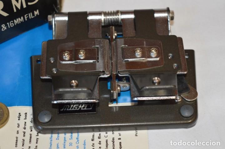 Antigüedades: VINTAGE - EMPALMADORA SPLICER M3 - Super 8 - Regular 8 & 16 Mm. Caja e instruciones ¡Mira fotos! - Foto 2 - 212796016