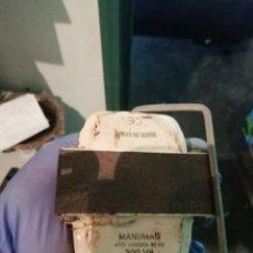 Antigüedades: ANTIGUO TRANSFORMADOR ELECTRICIDAD HOGAR - MANUMAG 125 - 220 50HZ 300VA. Lote 212812201