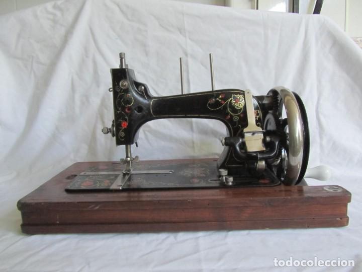 Antigüedades: Máquina de coser Vesta, alemana, modelo Vestacita Saxonia Type, principios siglo XX, funcionando - Foto 2 - 212908535