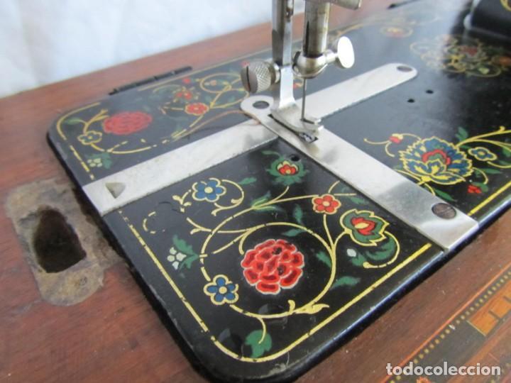 Antigüedades: Máquina de coser Vesta, alemana, modelo Vestacita Saxonia Type, principios siglo XX, funcionando - Foto 6 - 212908535