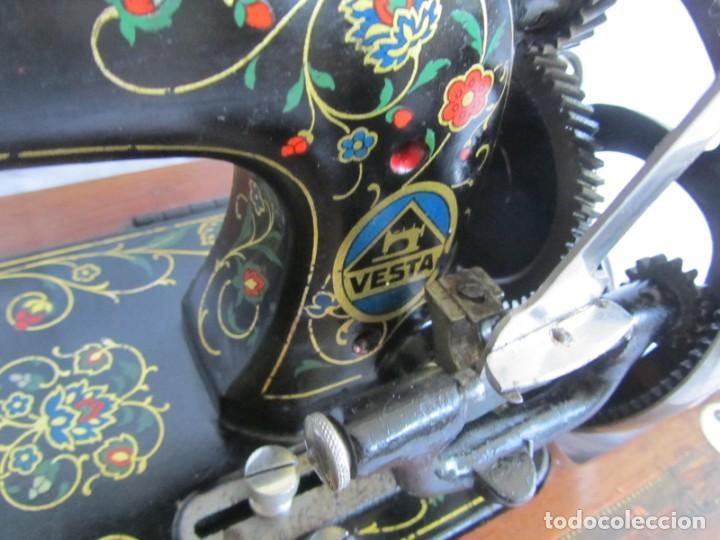 Antigüedades: Máquina de coser Vesta, alemana, modelo Vestacita Saxonia Type, principios siglo XX, funcionando - Foto 9 - 212908535