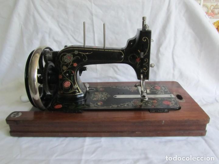 Antigüedades: Máquina de coser Vesta, alemana, modelo Vestacita Saxonia Type, principios siglo XX, funcionando - Foto 20 - 212908535