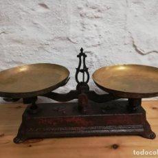 Antigüedades: BALANZA GRANDE ANTIGUA RESTAURADA. Lote 213047503