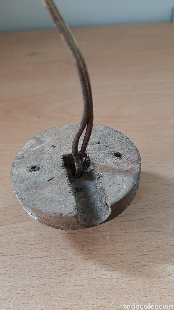 Antigüedades: Antiguo enchufe de baquelita de la marca F.P.M, con su marco de madera. - Foto 3 - 213128481
