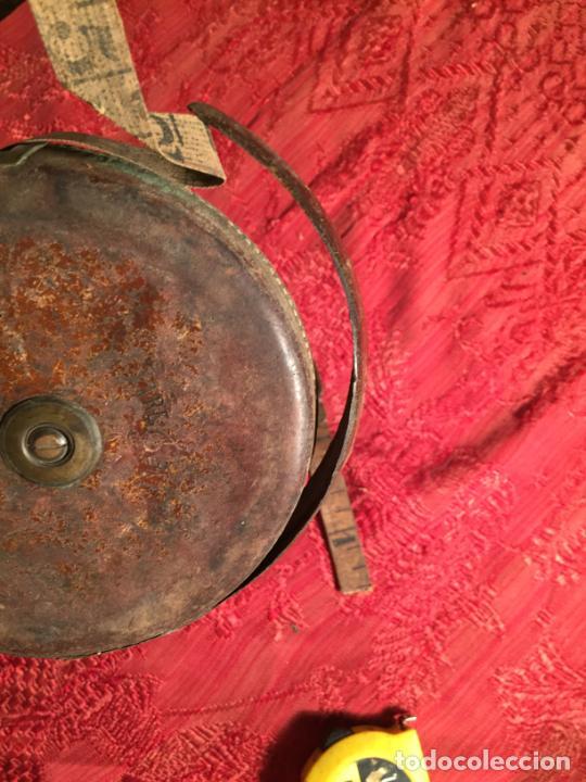 Antigüedades: Antigua cinta metrica de cuero y latón años 300-40 - Foto 6 - 213202188