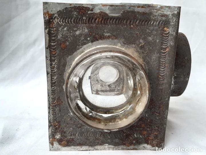 Antigüedades: Restos de Farol o Linterna Mágica antigua con lupas en los lados.. - Foto 4 - 213220053