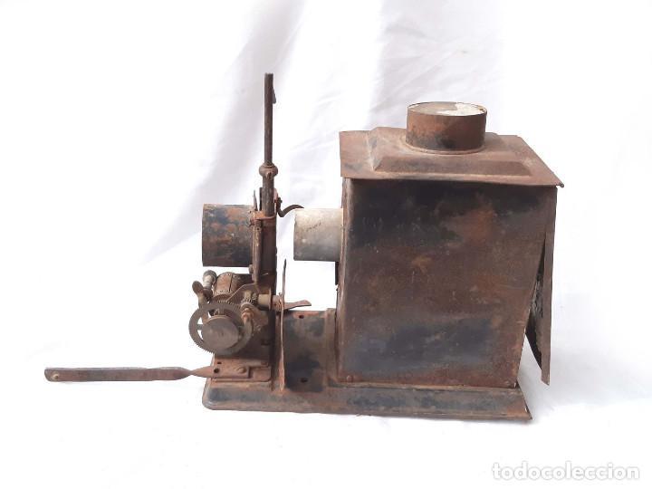 Antigüedades: Proyector de cine antiguo. 35 mm. Sin marca. Incompleto. - Foto 5 - 213221931