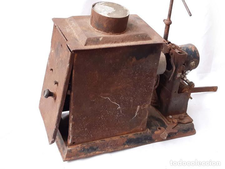 Antigüedades: Proyector de cine antiguo. 35 mm. Sin marca. Incompleto. - Foto 6 - 213221931