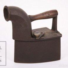 Antigüedades: ANTIGUA PLANCHA DE CHIMENEA FCS DE CARBÓN - HIERRO Y MADERA - SIGLO XIX. Lote 213236042
